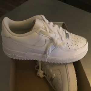 New Women's Nike Air Force 1 size 8.5